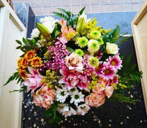 Felicita con flores floristeria zaragoza
